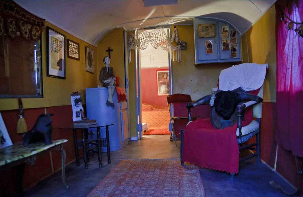 Barre latrale principale with roulotte decoration for Roulotte decoration